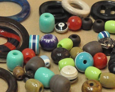 polyester-beads,-rings,-toggles